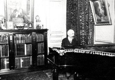 Caillebotte martial au piano